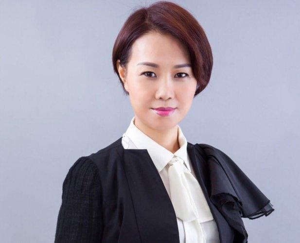 美國雙皇冠大使Amy-Zou2-617x500